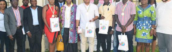 Remise de lots aux premiers gagnants du jeu concours « A L'ASSAUT DU SIDA »